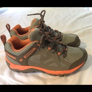 Merrill Outright Edge Women's Hikers NEW Sz 6.5